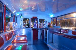 Bus inglese spogliarelliste-spogliarellisti